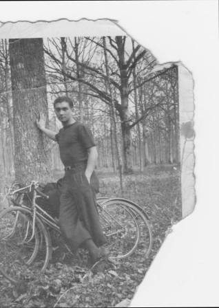 Juozas or Pranciskus Laukaitis 1938 cycled from UK to France to meet great uncle