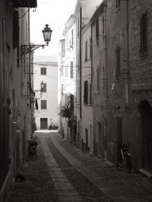 alghero-black-and-white
